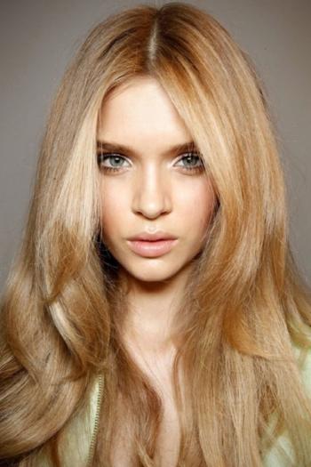Цвет волос русый