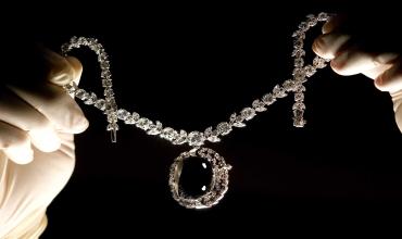 Алмаз – твердейший, ценнейший, прекраснейший